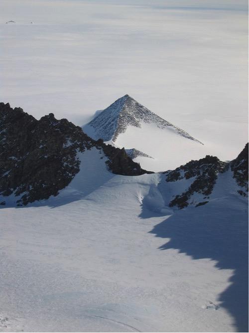 Pirámide de la Antártida