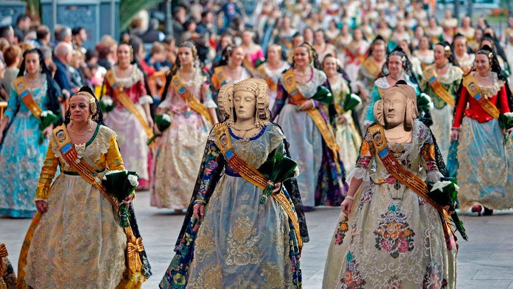 Dama de Elche y Dama de Guardamar en cuerpos de falleras de Valencia