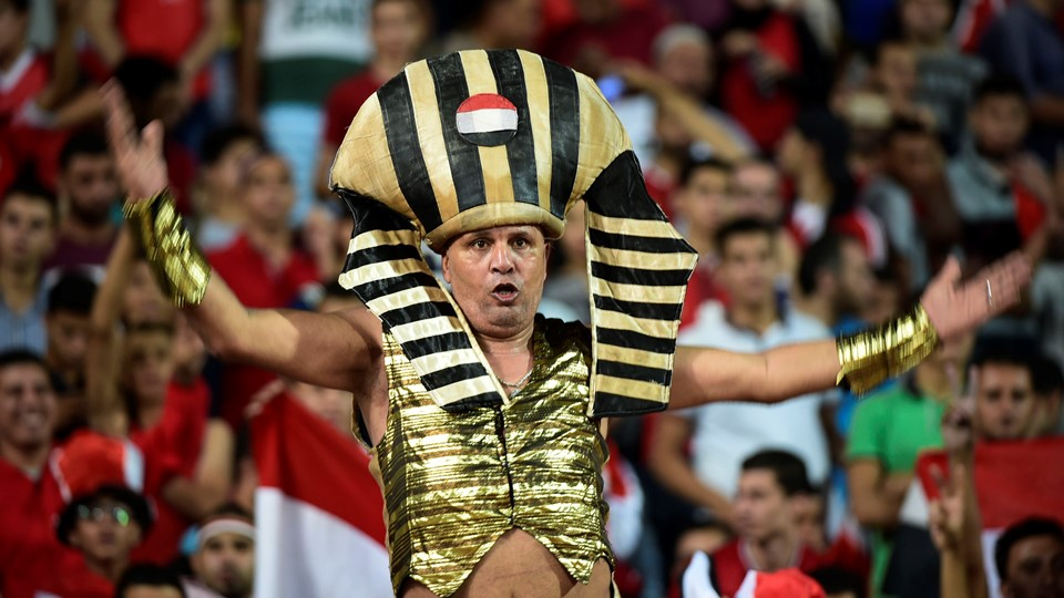 Aficionado futbol Egipto egipcio vestido faraon mundial