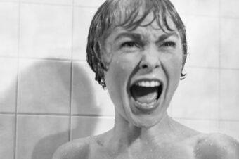 Asesinato en el baño